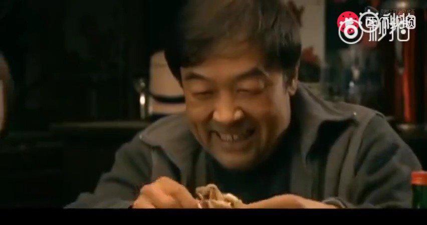饭店买了15只螃蟹给客人吃,结果大嫂全拿回家吃了,还理直气壮