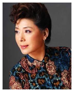 国家一级演员的她,45岁二婚嫁高官被宠21年,今66岁越活越年轻!