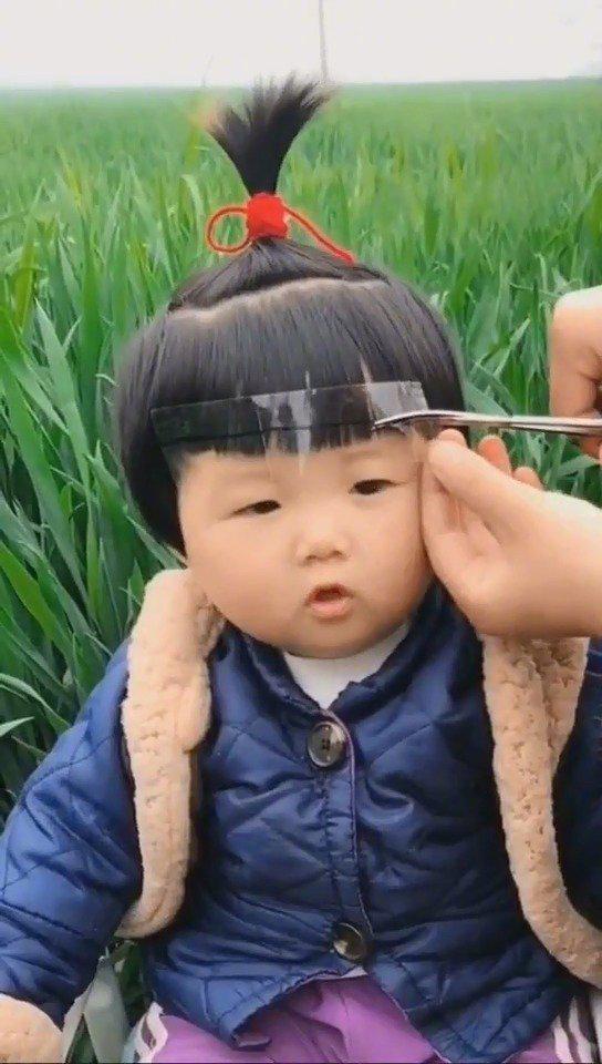 教你们给孩子剪刘海儿~像不像熊出没的一个小孩?