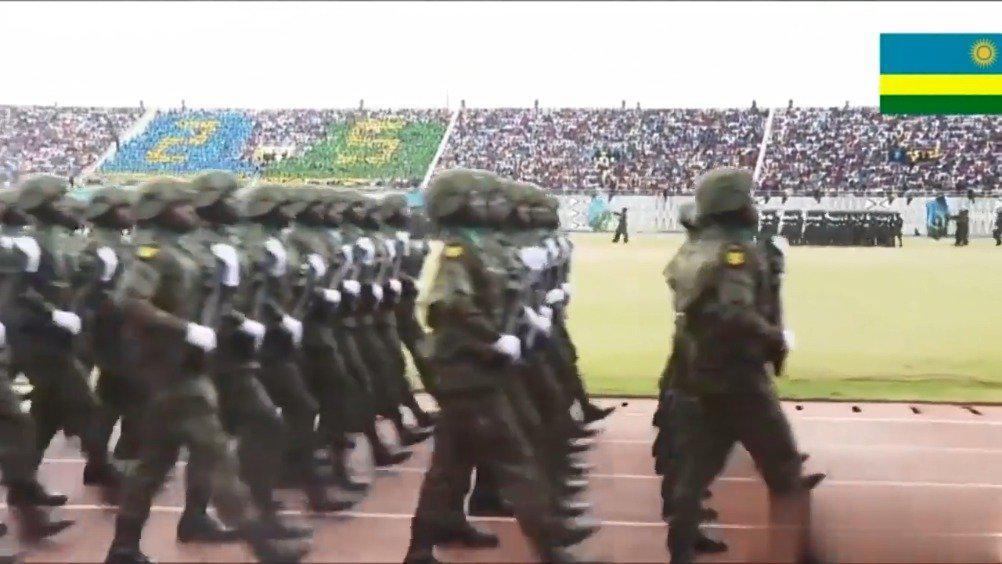 非洲卢旺达阅兵,猜猜这是谁带出来的徒弟