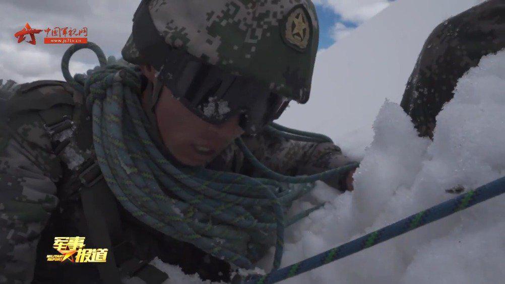 厉害了我的战友!西藏侦察兵6000米冰川上开展极限训练
