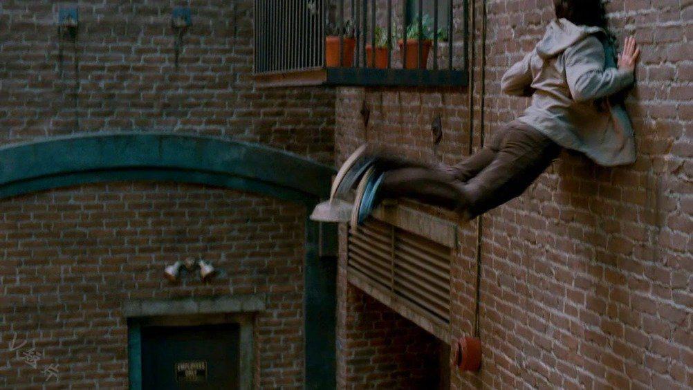 少年意外被蜻蜓咬了一口,身体发生变异成为了盗版蜘蛛侠!