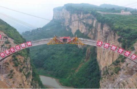 中国最难建的大桥,耗费38年建设完成,这样的桥梁真是难得一见啊