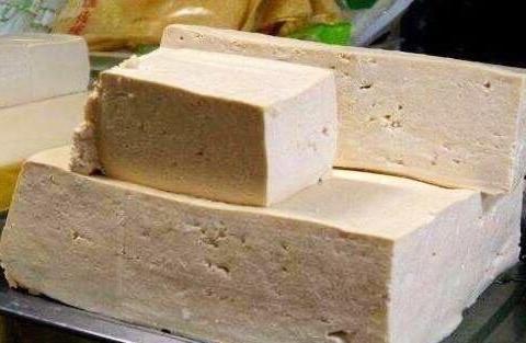 豆腐里加有3种添加剂,你一定要知道,豆腐老板一般不会告诉你