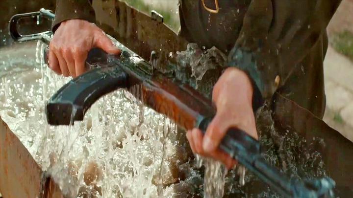 真实事件改编传记片,他只是个小兵,却发明了步枪之王
