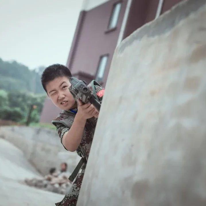 【扬子晚报暑期夏令营】军营篇:无人机试飞,神枪手报道!