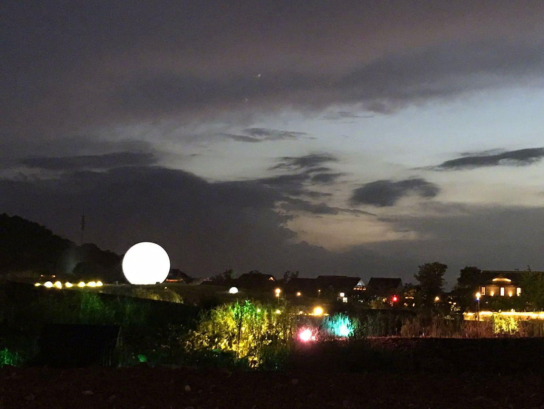 美好的夜晚三要素: 月亮,星星和你们