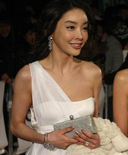 韩国女星张紫妍自言活得不如小姐,服务百余次,留5000封遗书自杀