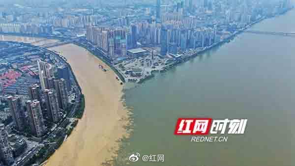 7月11日骤雨初歇,位于长沙市内浏阳河与湘江交汇处……