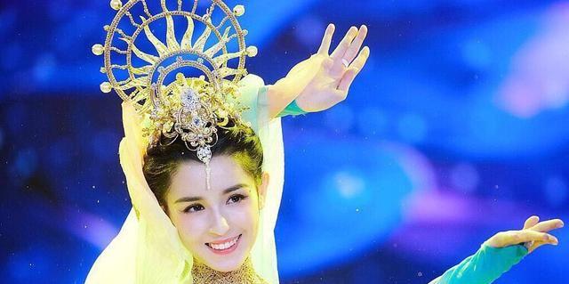 哈妮克孜《天舞纪》造型引热议,仙气飘飘演技好,比跳敦煌舞还美