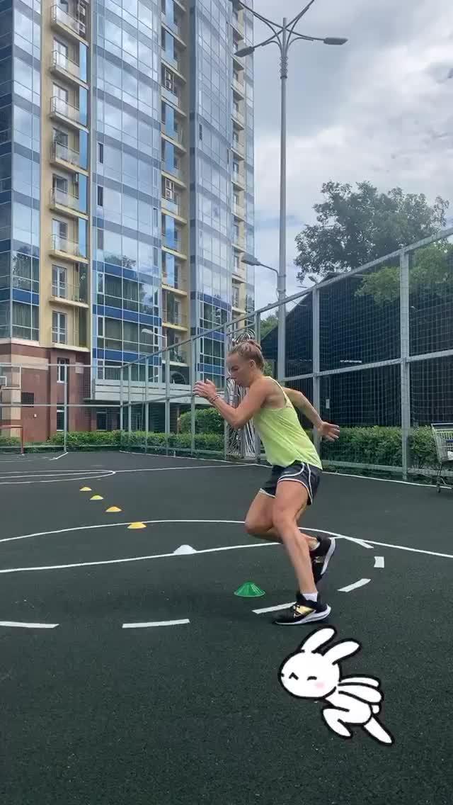 库兹涅佐娃晒出自己的训练视频,这段脚步训练看着就好累