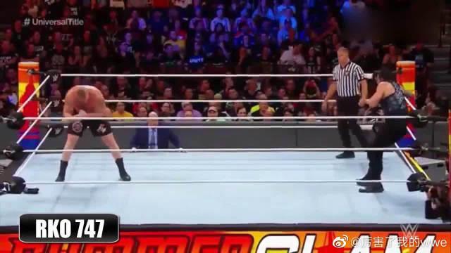 WWE:三位巨星擂台混战,场面太劲爆了,看着过瘾!