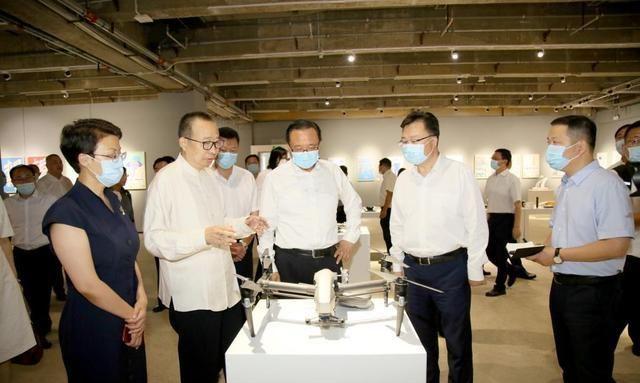济南市人民政府与山东工艺美术学院签订战略合作协议