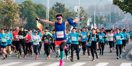 28岁和35岁跑马拉松,哪个才是跑马拉松最佳年龄?