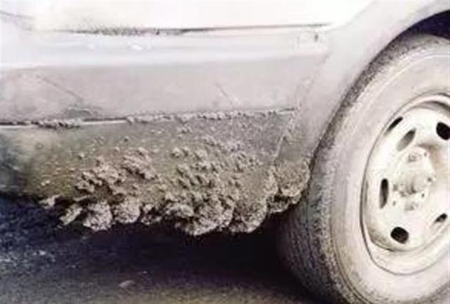 两个月不洗车会有什么后果?维修工:生意来了,挡都挡不住!
