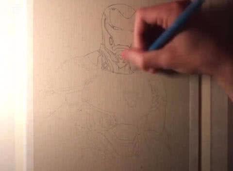 美术生画张钢铁侠,说他比钢铁侠帅,颜值还行但提到一点谁都不行