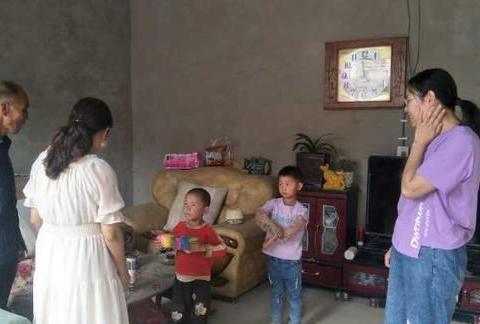 大寨乡中心幼儿园开展关爱留守儿童家访活动