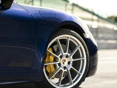 100万内最好的汽车,试驾保时捷718,中年人也能追风