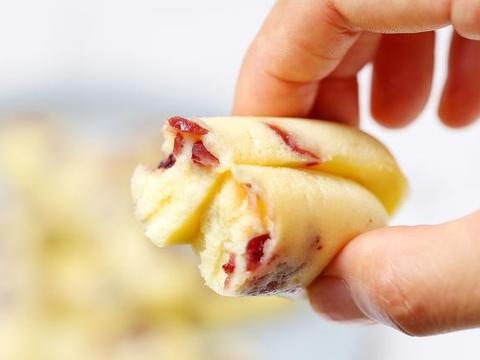 减肥期也能吃的小零食,无需打发不用烤箱,细腻Q弹比蛋糕味道好