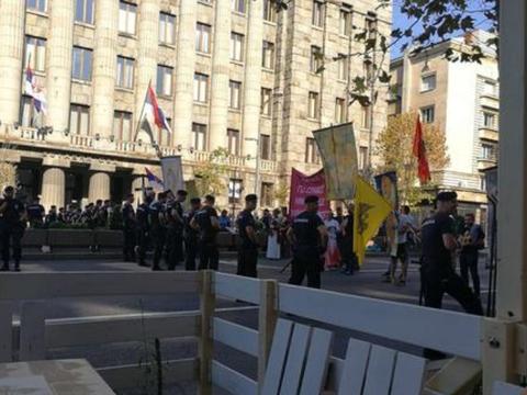 塞尔维亚国防部长表示,乱企图发动内战和夺取政权