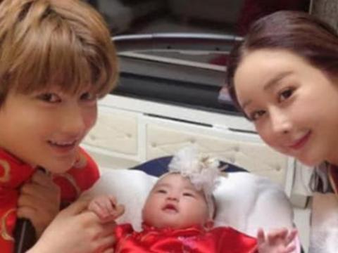 那个娶大18岁韩国女星的中国小伙,生活怎样了