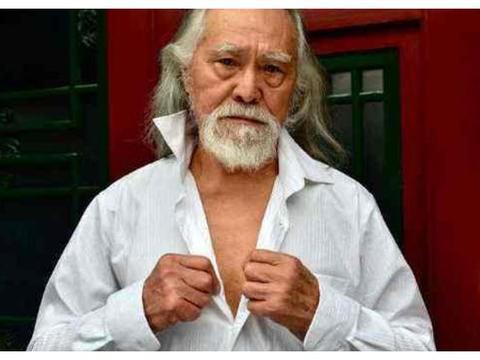 83岁王德顺健身荷尔蒙爆棚,妻子长腿实力抢镜,52岁女儿颜值冻龄