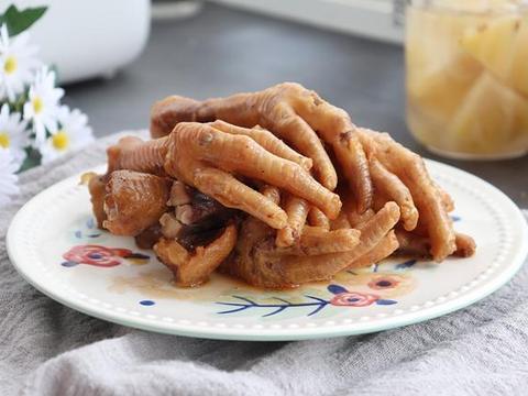 香卤鸡爪的最简单做法,简单腌渍一下,电饭煲叮一下就搞定