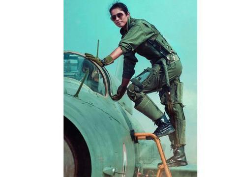 印度也有战斗机女飞行员,她们家境富足,但获得参军资格实属不易