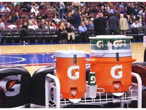 NBA球员选择饮料有学问!维金斯堪称良心代言人,詹姆斯与众不同