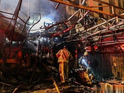 中东又燃战火,以色列袭击伊朗:天然气发电厂爆炸,战局一触即发