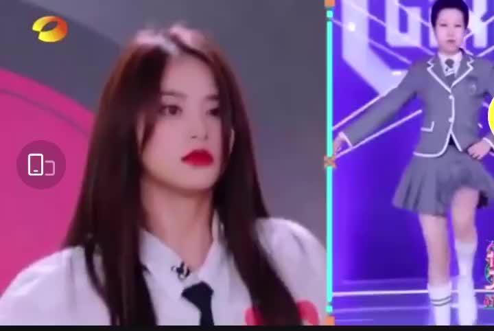 金子涵模仿《青春有你2》同学上官喜爱、赵小棠、虞书欣跳主题曲