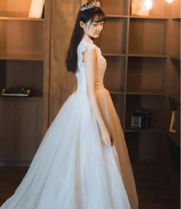 她是被禁止整容的小李慧珍 穿上婚纱美爆全网