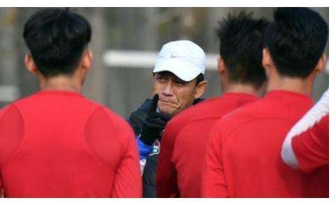 豫媒:王宝山辞职后,河南建业将不设主教练一职