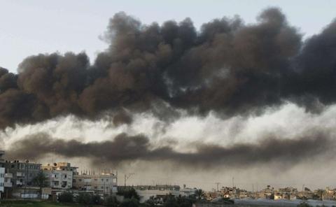 火药桶再度爆裂,大批战机发动猛烈空袭,以色列民众疏散