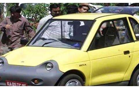 印度人购车太奇葩,后视镜还要选配,公认难看的车他们爱到不行!