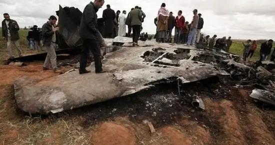 第一场打醒全球的战争,不是海湾战争,仅18分钟利比亚就伤亡惨重