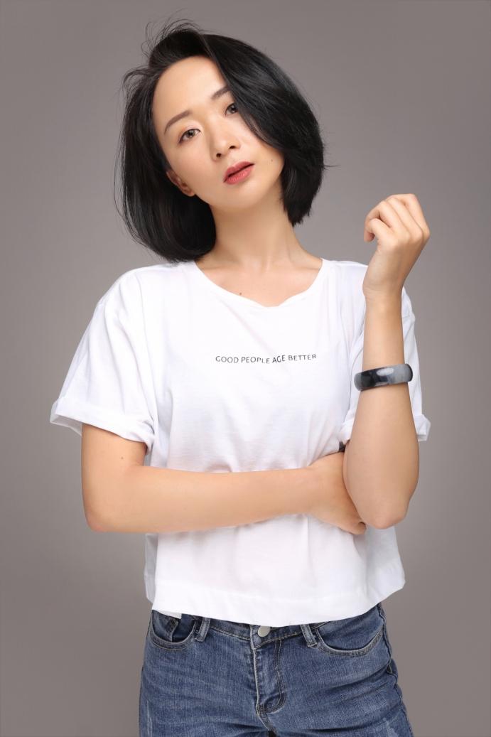 全能艺人黄灵舟,拜师香港著名动作演员梁伟章