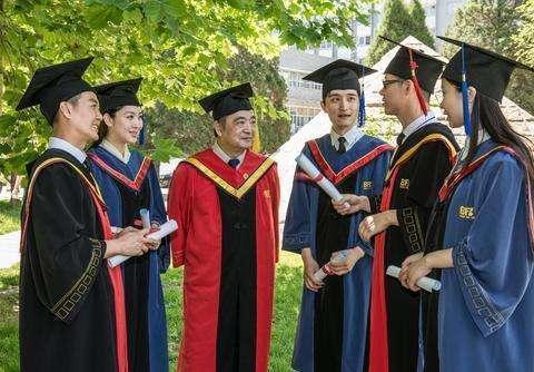 二本大学的学生考上985高校的研究生,真的只是运气好吗?