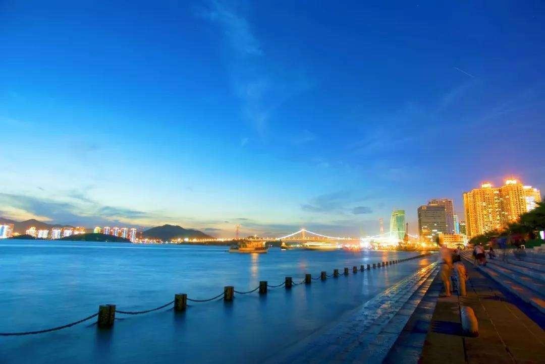 中国适合养老三座城市,景色优美环境好,每年接待上百万游客