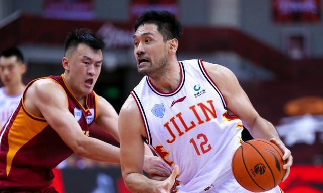 吴前23+6+11+4,浙江男篮险胜吉林男篮,姜宇星复出砍22分!
