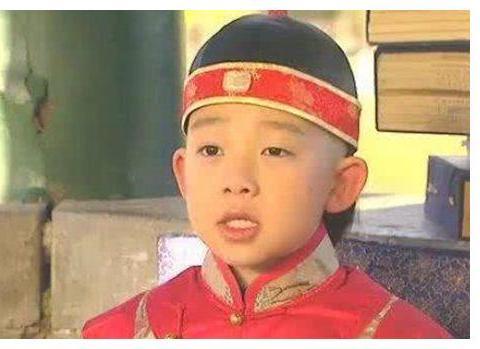 皇子威胁老师:我当上皇帝,第一个杀的就是你,结果被皇帝踢死