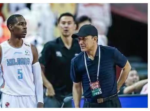 糟糕的决定!新疆男篮外援迎来首秀,个人数据比国内球员还差