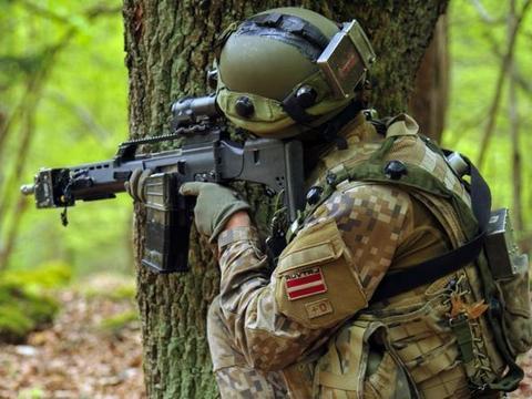 喜迎美军?拉脱维亚愿意安置撤走的驻德美军,俄罗斯还坐得住吗?