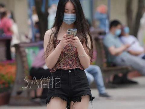 街拍:夏天穿搭不将就!清新甜美的露腿穿搭,凸显完美气质!