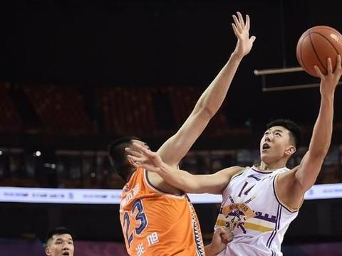 北控男篮险胜上海男篮,上海队给马布里的北控队上了一课