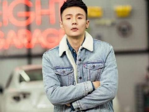 结婚10个月后,李荣浩还是原来的李荣浩,杨丞琳却判若两人
