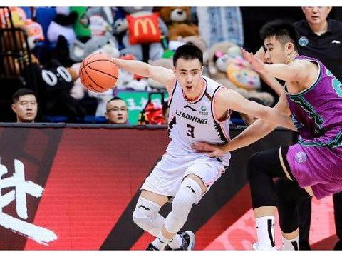 郭艾伦缺阵!赵继伟狂轰26分11助攻8篮板 他才是辽宁男篮第一控卫