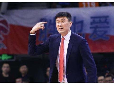 国家队主力大前锋,杜峰为什么会选择在31岁巅峰期退役