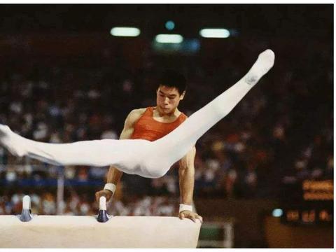 比李宁更牛的体操冠军,一家4口仅一人是中国国籍,40岁身家过亿