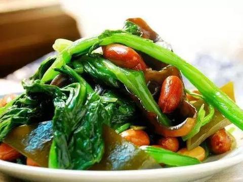 美食严选:凉拌菠菜,五花肉蒸白菜,凉拌腐竹,烧烤茄子